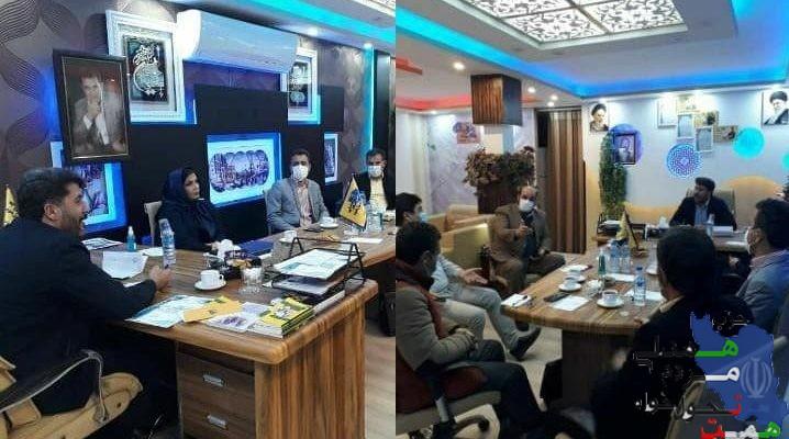 جلسه هم اندیشی مدیران پهنه غرب استان حزب همت در دفتر نمایندگی این حزب در اسلامشهر برگزار شد.