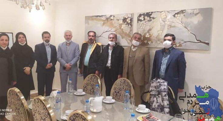 نشست صمیمی دبیرکل حزب همت جناب آقای سید احمد نبوی با هیات رئیسه حزب در استان قزوین